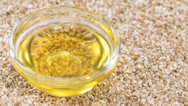 oleo-de-gergelim-ajuda-no-emagrecimento2